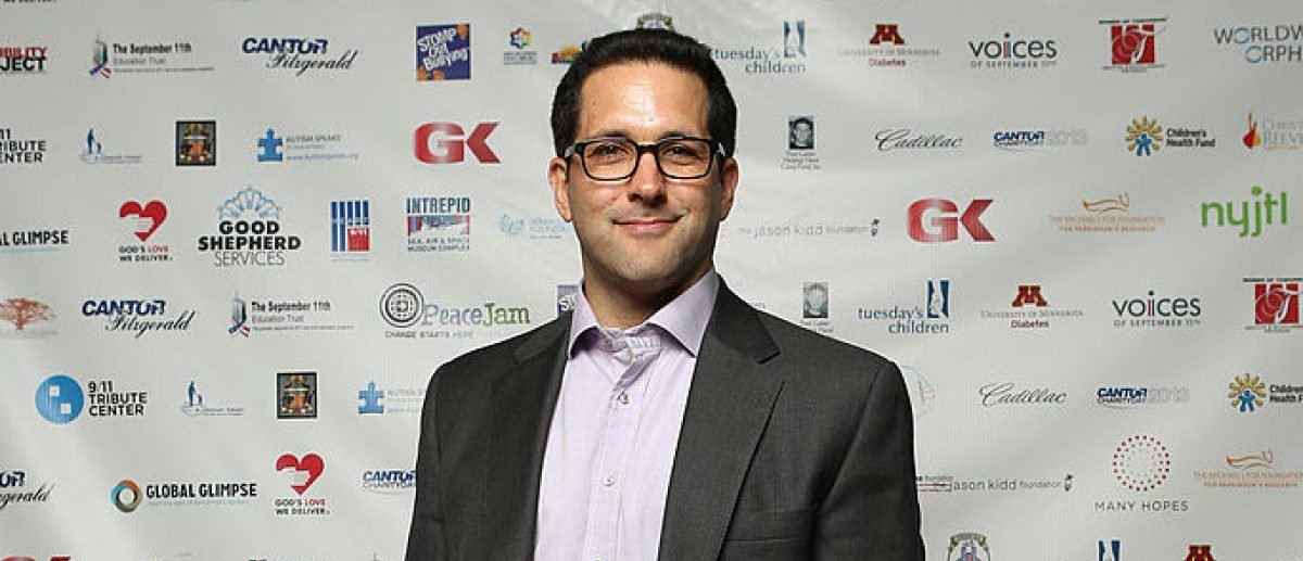 What Liz Cheney Doesnt Know >> Adam schefter apparently doesn't know how to walk on ice - scoopnest.com