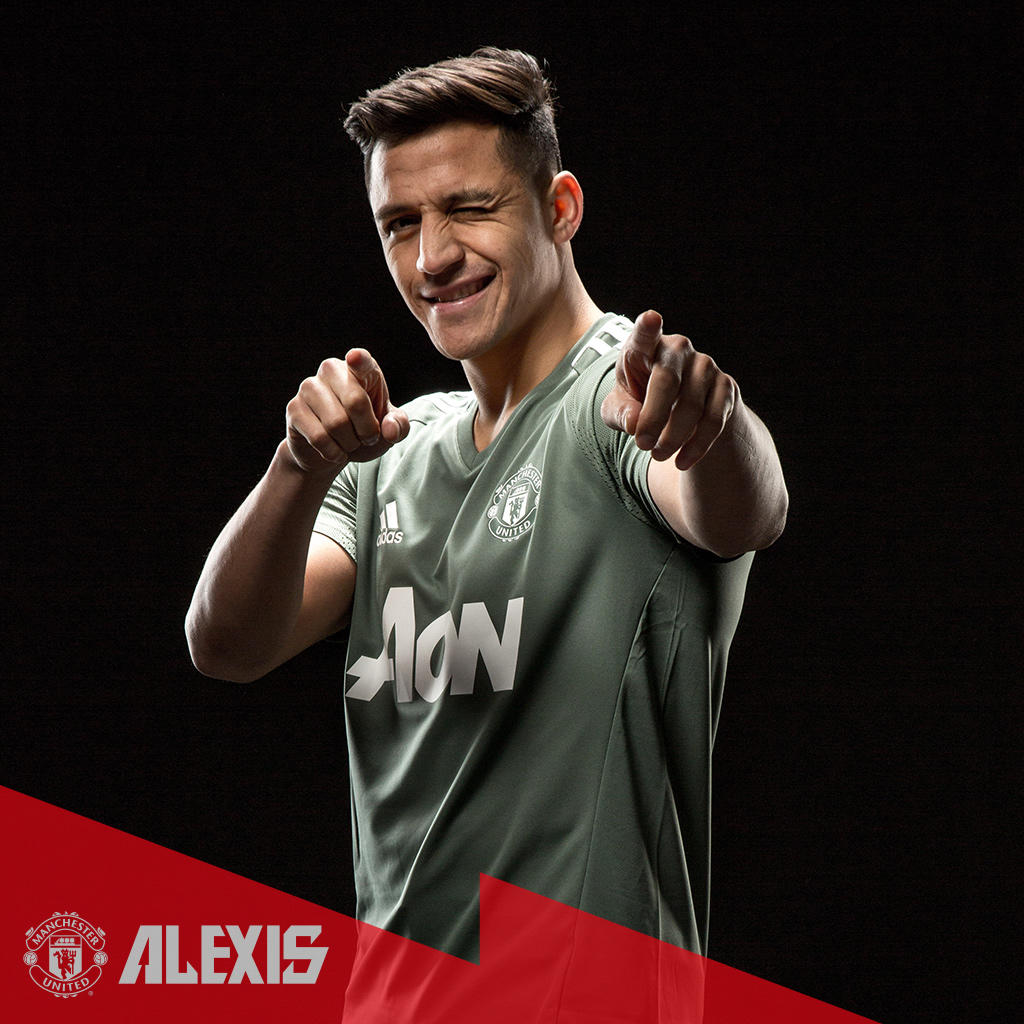 Morning, #MUFC fans! How are you feeling today? 😜 #Alexis7 @Alexis_Sanchez