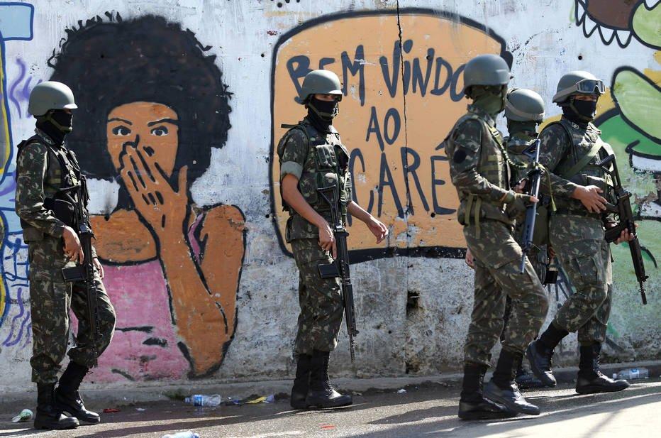 Militar pesa 16 vezes mais no rombo da Previdência que segurado do INSS  https://t.co/9LirBY1oqj