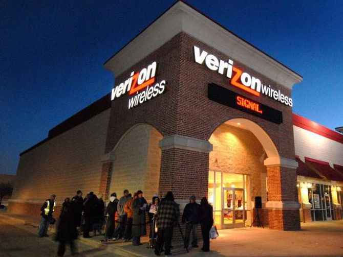 As 5G hype amps up, Verizon's growth hums along https://t.co/KnEYynZmLm