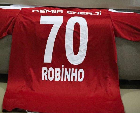 O Sivasspor, da Turquia, já divulgou a camisa que o Robinho vai usar.   Via: Sivassporsk #SelecaoSporTV