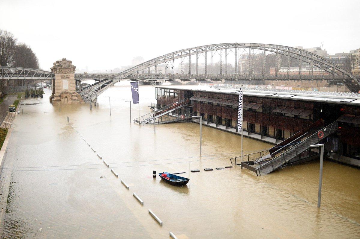Paris : la crue de la Seine atteindra son pic vendredi, au même niveau qu'en 2016 > https://t.co/t4Mkgk6uI8