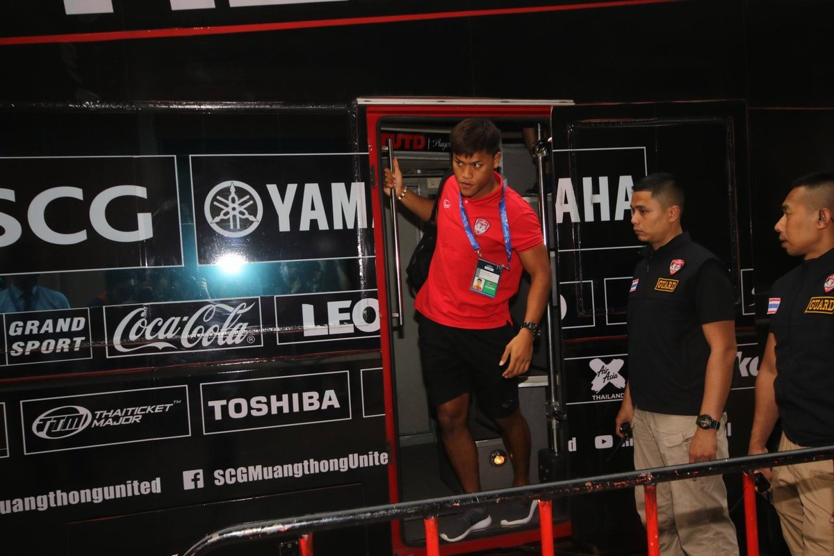 AFC Champions League 2018 Preliminary Stage - Muangthong United arrive at the Supachalasai Stadium for tonights SUPER BIG MATCH with Malaysias Johor Darul Tazim, kick off 19:30. Tickets 200, 300 and 400 baht kickoff at 19:30 Live 📺 >> bit.ly/2q9aEdW #ACL2018 #mtutd
