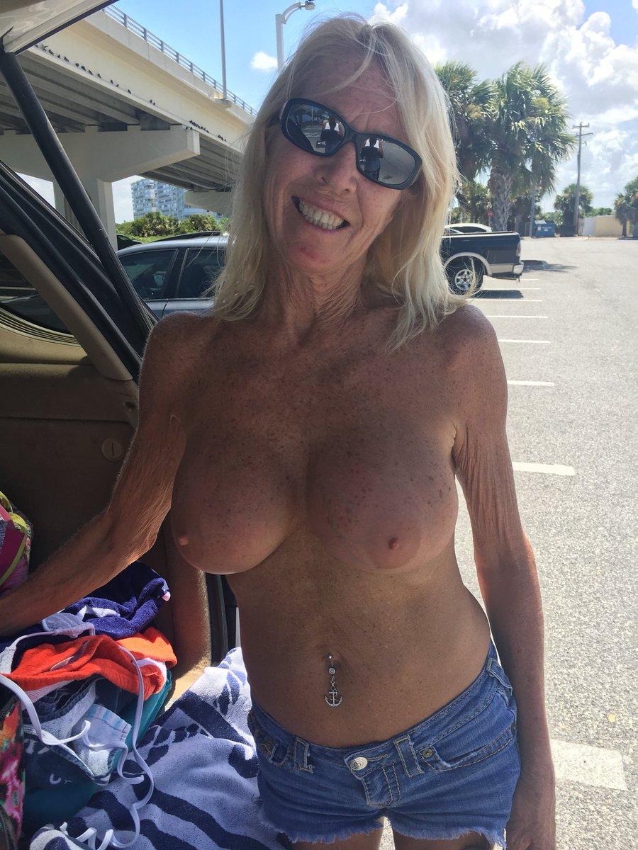 @publicflashings #nsfw #TittyTuesday #mi...