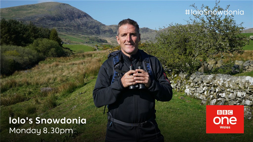 ❄️ Winter 🌱 Spring  ☀️ Summer 🍂  Or fall?  .@IoloWilliams2 takes us through every season in new series Iolo's Snowdonia!  🆕 #IoloSnowdonia 📺 Starts Monday— @BBCOne Wales