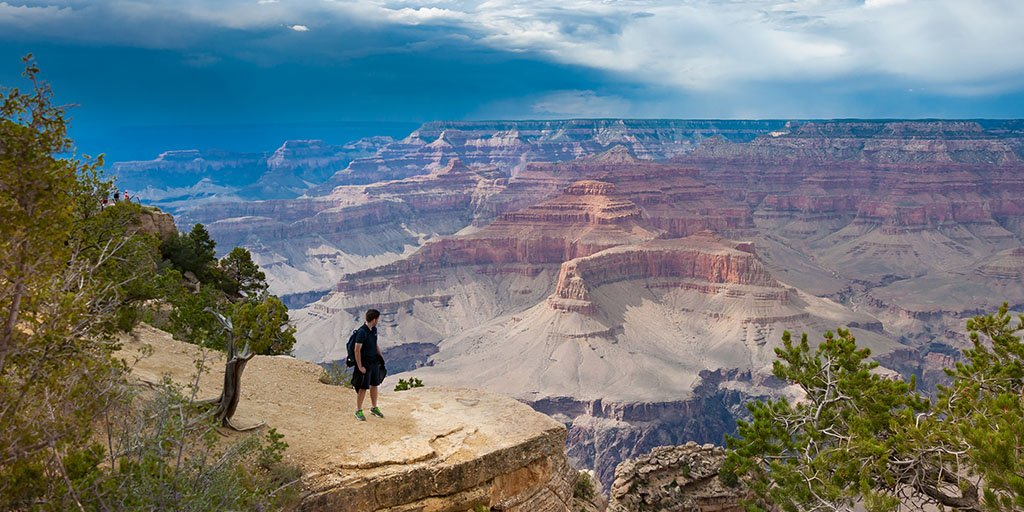 #TFW you look out over the Grand Canyon. #USATrip #OutdoorsUSA https://t.co/bQJZO2BNws