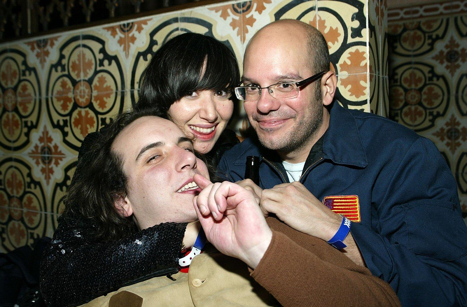 #ThrowbackOfTheDay: @HarMarSuperstar, @KarenO & @DavidCrosss at a #Grammys After-Party, 2005 https://t.co/s9xyV39wRu