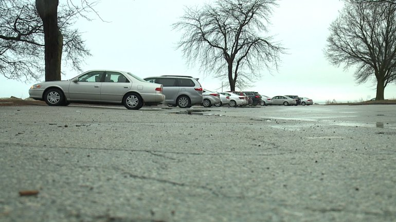 Should there be paid parking at Milwaukee Co. parks? Issue has been pulled from budget for separate vote https://t.co/U20ZyGss0A