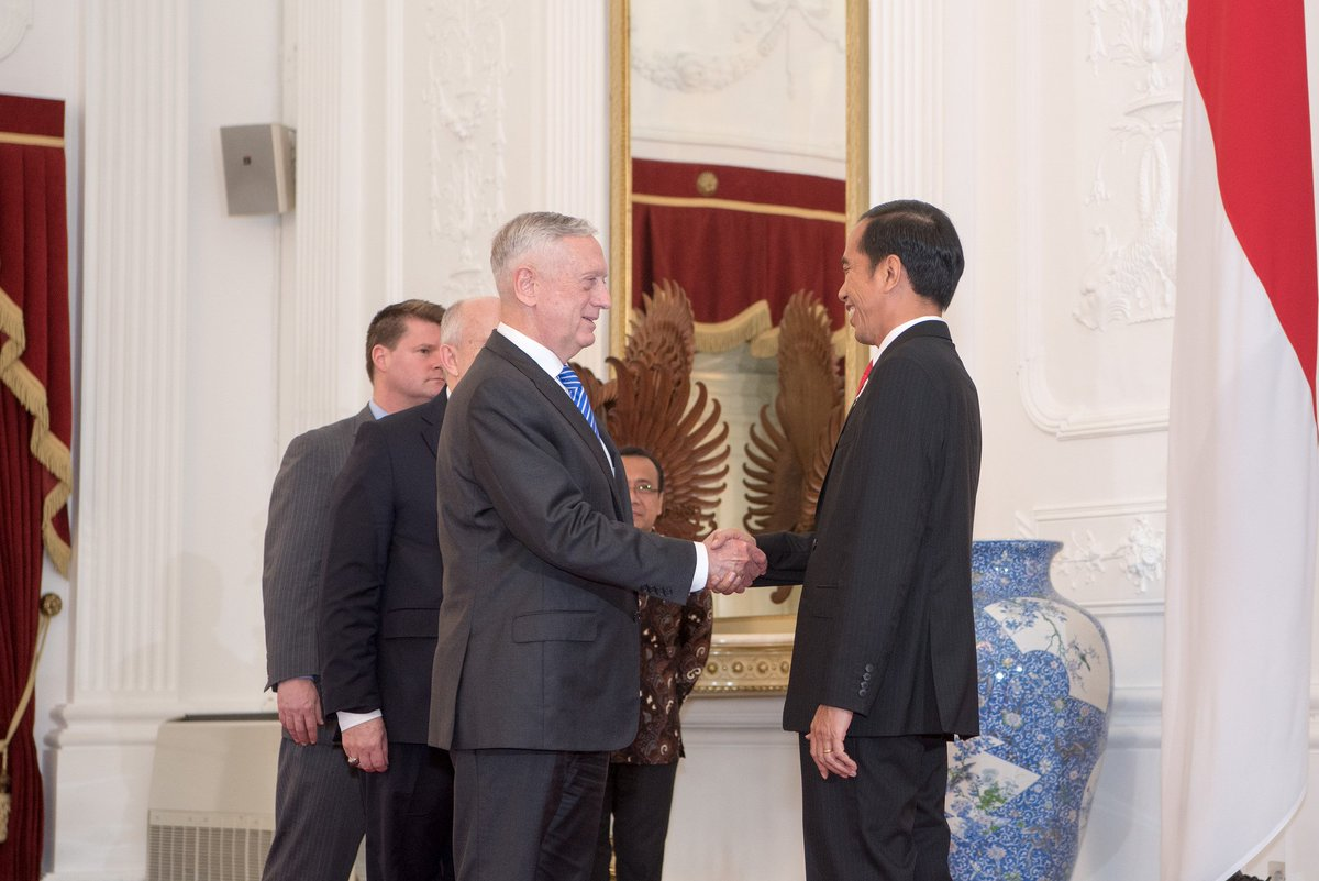 Today #SecDef Mattis met with the President of Indonesia Joko Widodo during a visit to #Jakarta, #Indonesia. #SecDefTravelsTravels