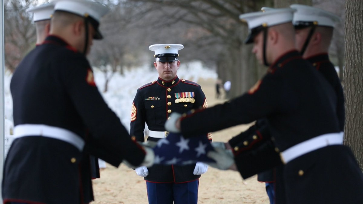 Just now, the first female Marine to retire from the Corps was laid to rest at @ArlingtonNatl.  Master Sgt. Catherine G. Murray enlisted during WWII in 1943 and served honorably for 20 years. Murray lived to be 100 and passed away peacefully last month.   Semper Fidelis, Marine.