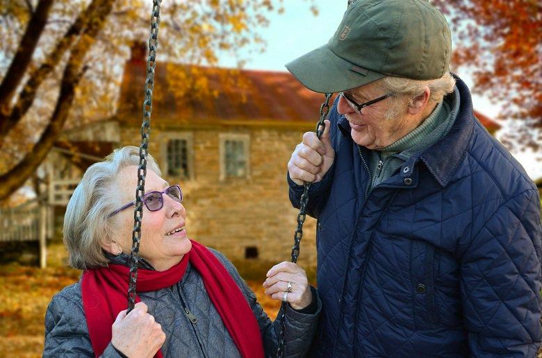 La #carne e i #salumi sono parte di una #dieta equilibrata per gli #anziani. I #muscoli rappresentano circa il 45% del peso corporeo tra i 20 e i 30 anni, il 27% a 70. Questa tendenza si accentua, se non si assumono quantità sufficienti di #proteine. https://t.co/TUvzkQKlNp https://t.co/MJuUjxMm42