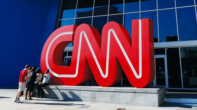 "Man arrested after allegedly threatening mass shooting of CNN employees for being ""fake news"": https://t.co/sDQfzYEKvd"