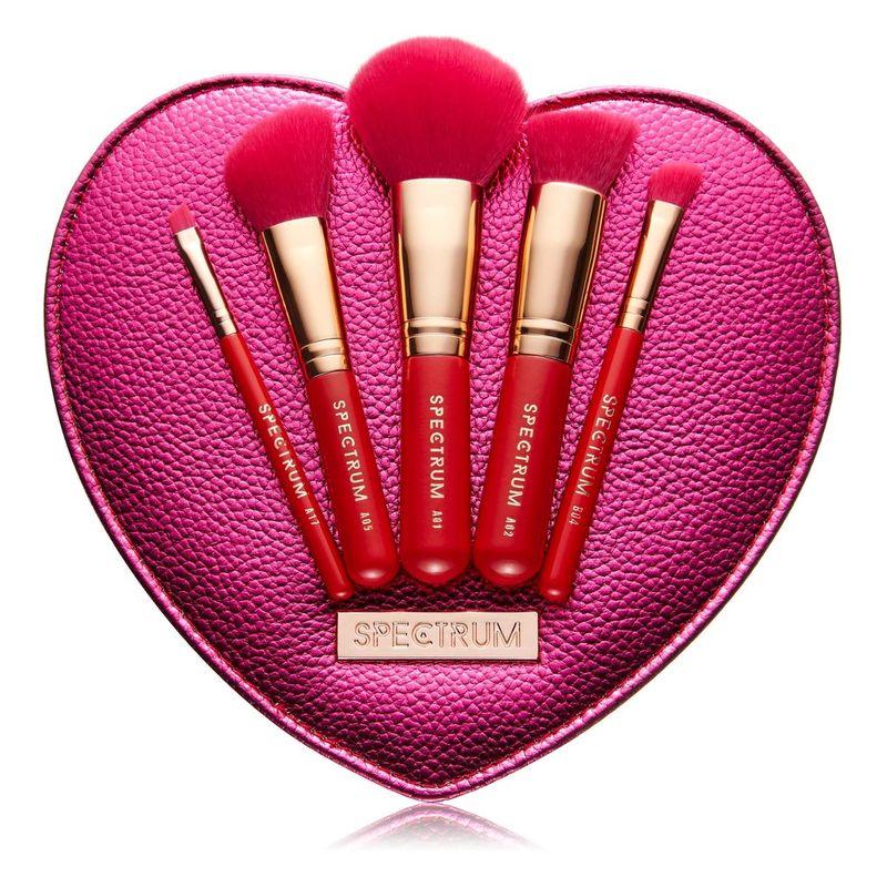 Love-Inspired Makeup Brush Sets https://t.co/trokvkvFpL #Fashion
