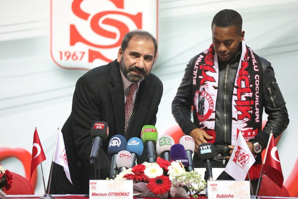 Robinho veste a 70 e assina até junho de 2019 com o Sivasspor, da Turquia: https://t.co/bTa6ZoqYYl  #SelecaoSporTV
