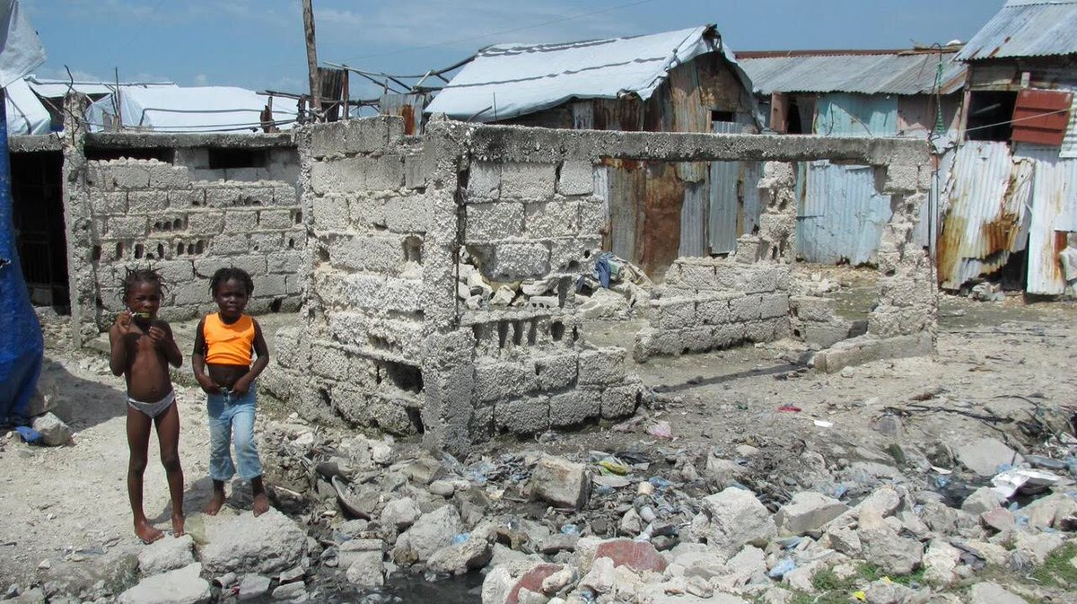 It's easy to forget. Unless you live there...  The Haiti earthquake 8 years ago killed over 260,000 people & displaced a million more.   Did you know that most Haitians still survive on a dollar a day?  Join me in supporting Aid Still Required/    #Haitihttps://t.co/AN7uZx6bVq