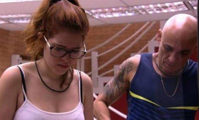 'BBB 18': 'Ana Clara tem uma relação aberta com o pai', diz amigo sobre selinho https://t.co/BQ5fwLYmfy