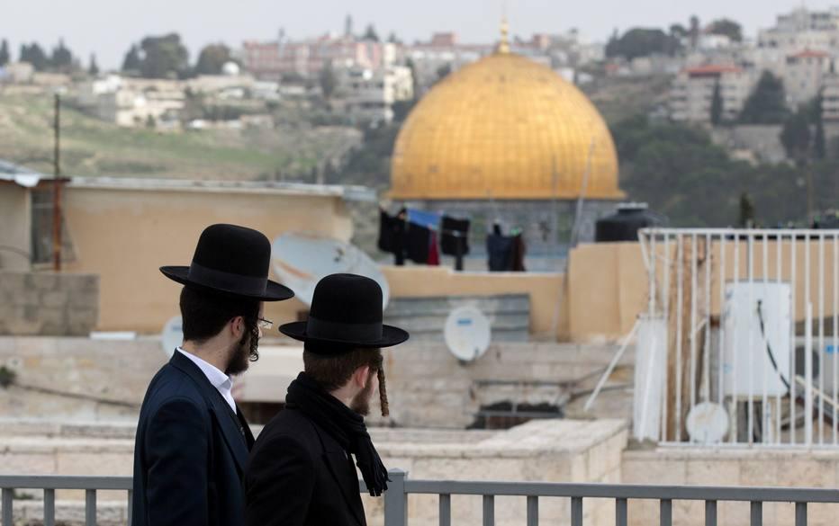 > Al@EstadaoInter-Qaeda ameaça atacar judeus após decisão de Trump de reconhecer Jerusalém como capital de Israel https://t.co/JeDdI45BPo