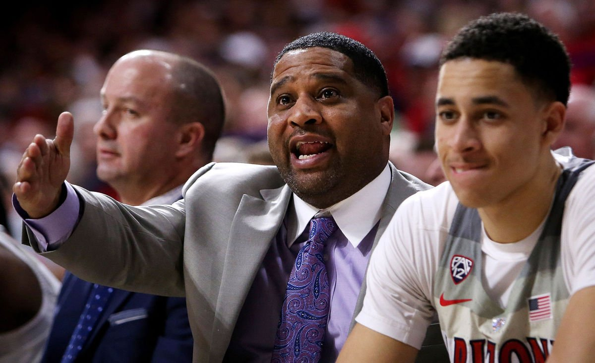 #BREAKING: University of Arizona formally fires assistant basketball coach Book Richardson https://t.co/usc0hkqSco