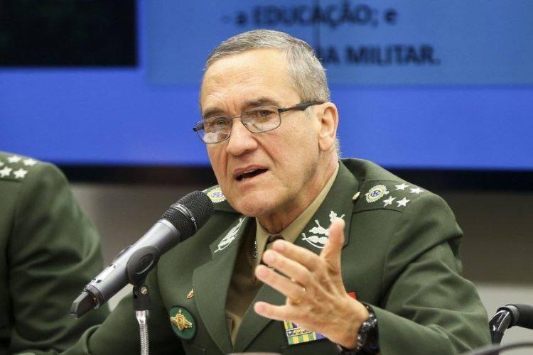 Intervenção militar seria enorme retrocesso, diz comandante do Exército. https://t.co/EQwz8CWNnU 📸Marcelo Camargo/@agenciabrasil