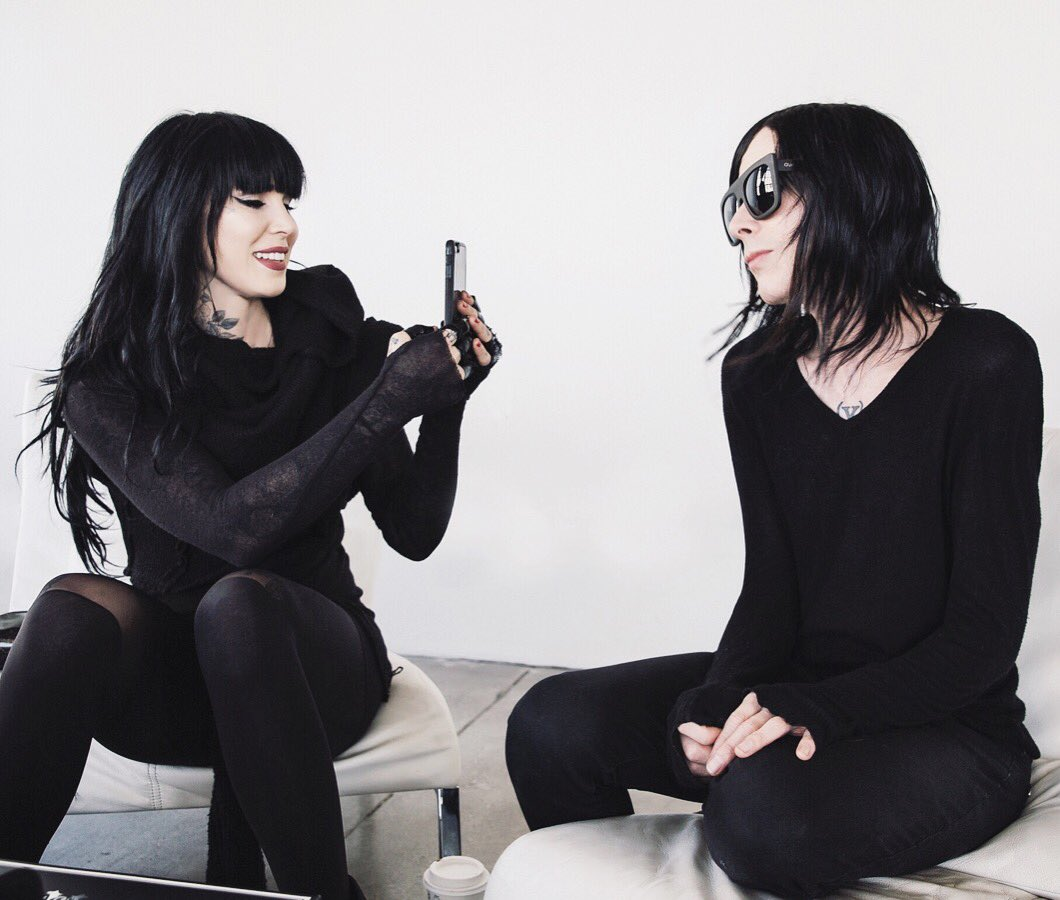 HAPPY BIRTHDAY TO MY UN-BIOLOGICAL TWIN: @IAMX!!! 🖤👯‍♀️ https://t.co/2Ccl6l08xG