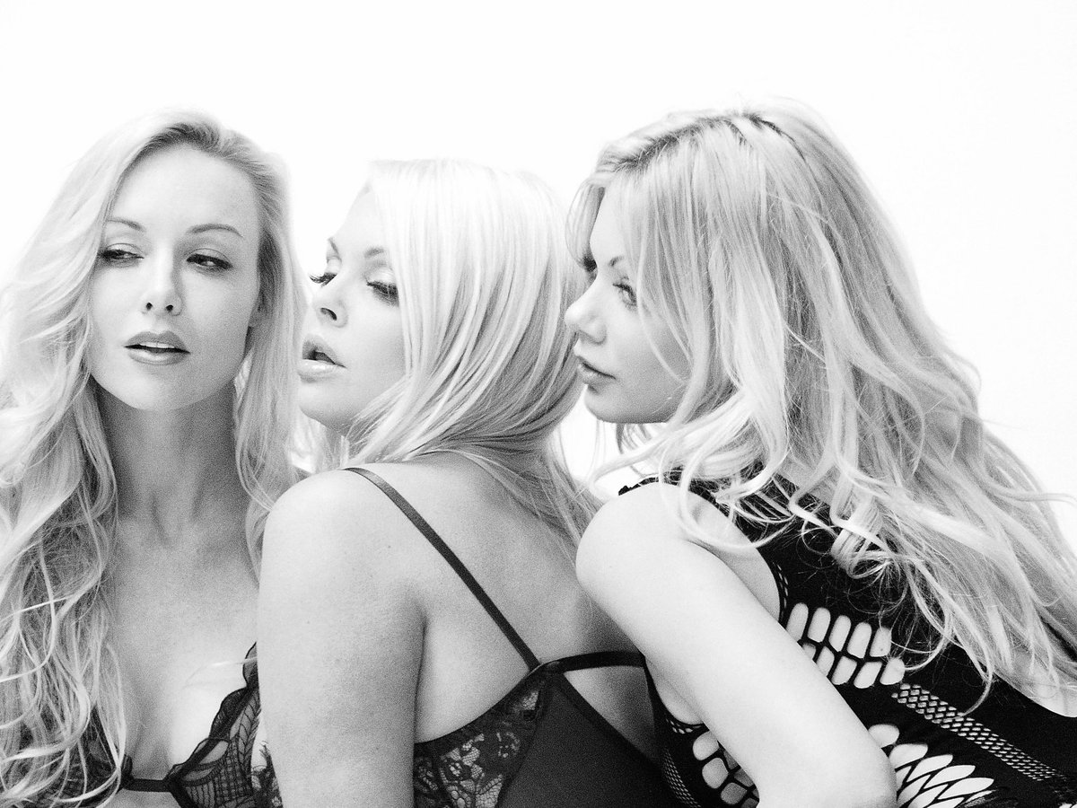 Busty blonde mature nude women