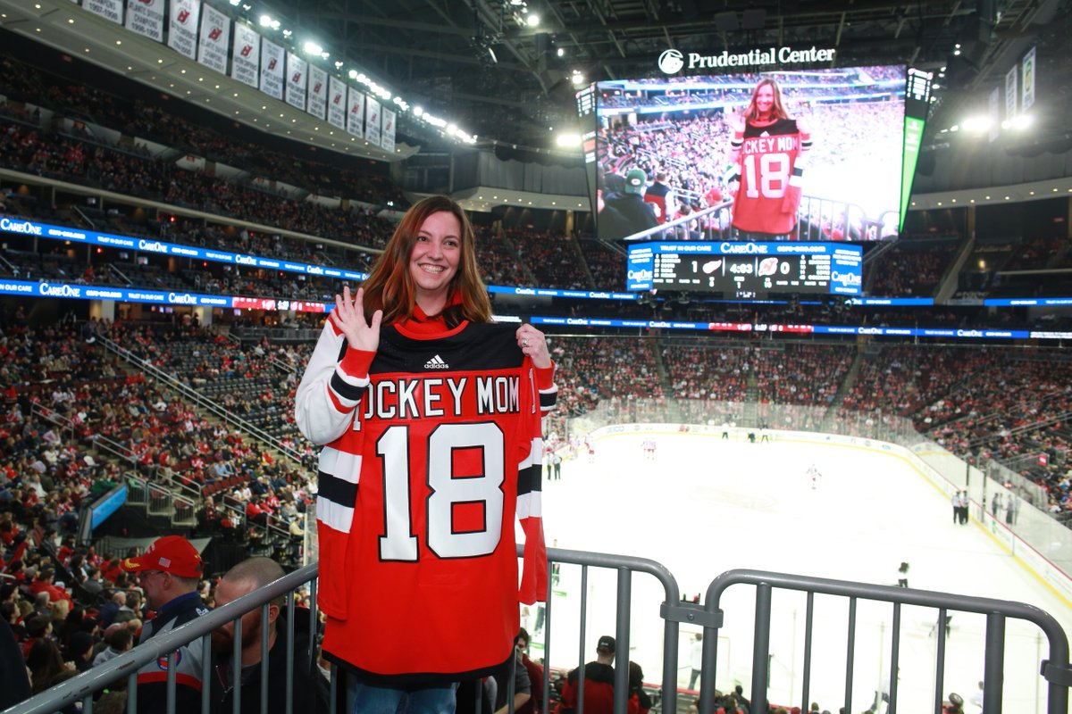 Congrats to Andrea Rosengarten of Egg Harbor Township, NJ, who has been selected as our latest #NJDHockeyMom presented by @CareOneMgt!   Nominate the hockey mom in your life today: https://t.co/8tPujiQ959