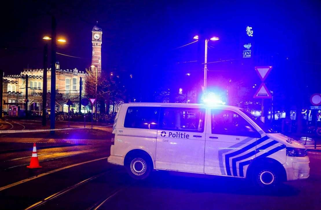 RT @MediasetTgcom24: Belgio, tenta di attaccare poliziotti con un coltello: preso #Belgio https://t.co/UxIwWbZFm5 https://t.co/9PRdnC9Fol