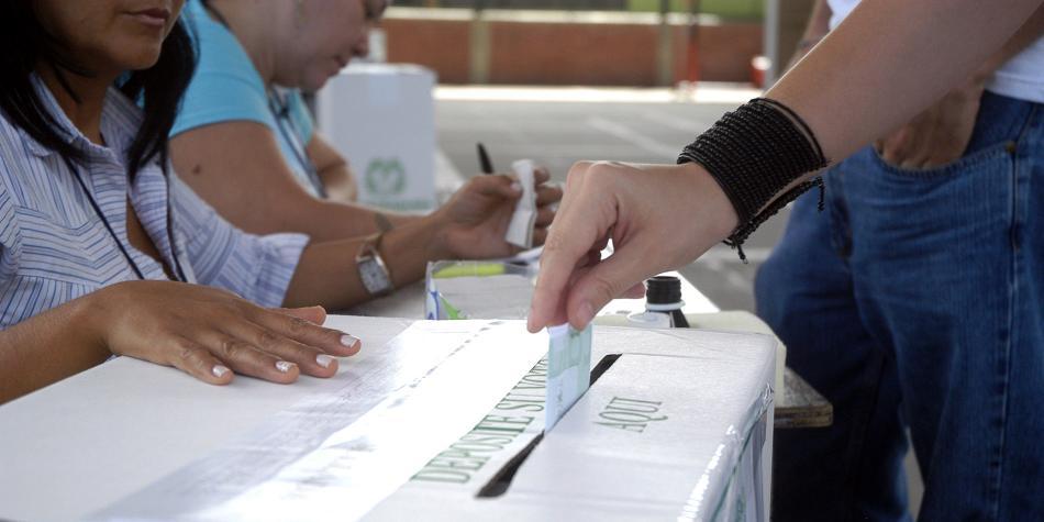 RT @ELTIEMPO: Se destraba consulta anticorrupción en el Consejo Nacional Electoral https://t.co/uHvBPFbS0p https://t.co/riTFS9F7ku