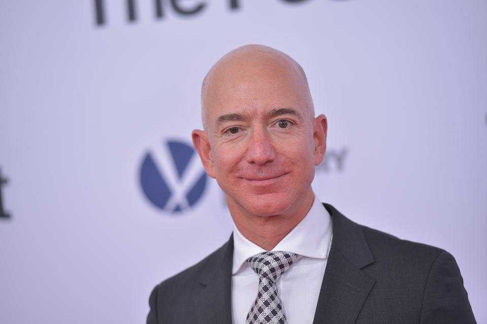 Jeff Bezos gains $2.8 billion after Amazon Go's debut, reaches highest net worth ever: https://t.co/5XMmbp2PkA
