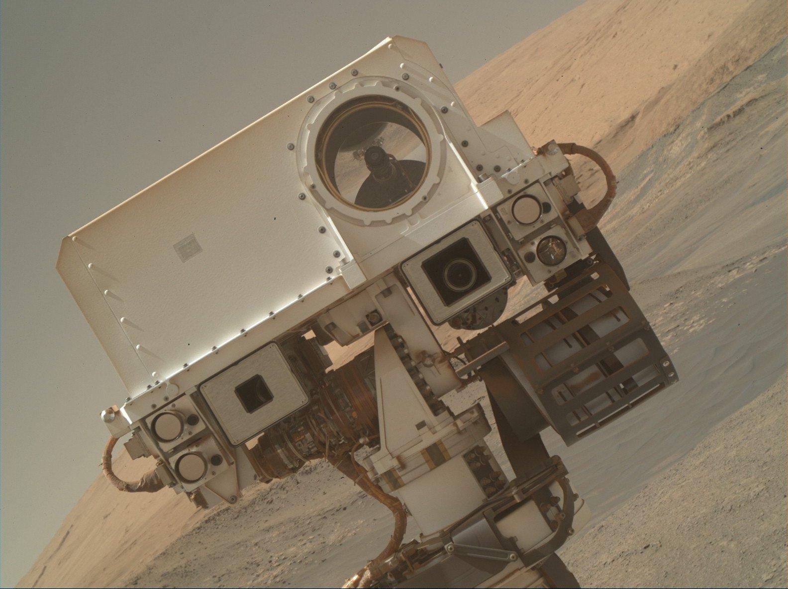 "Curiosity rover ""selfie"""