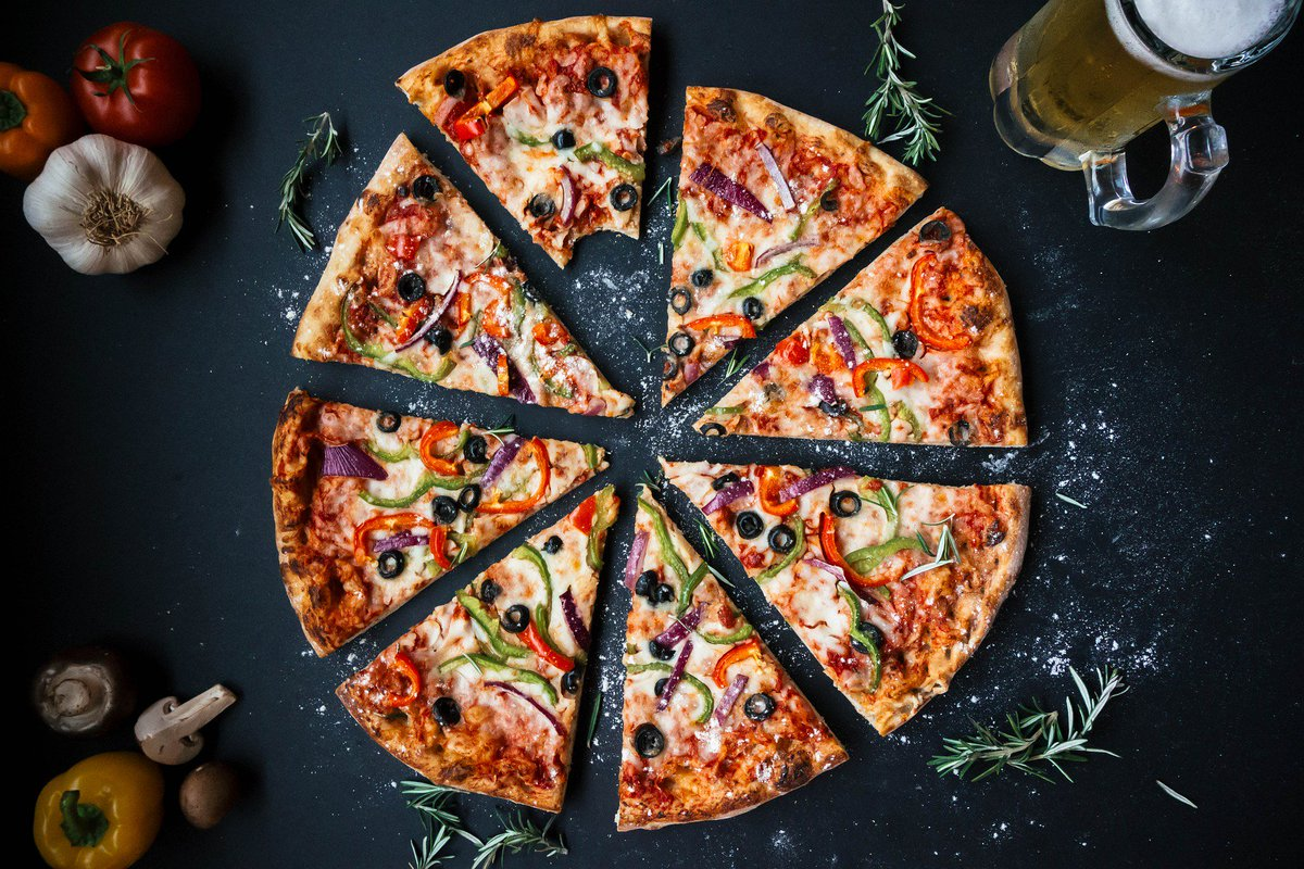 Pizza is by far the most famous Italian dish, it was invented in Napoli/Naples around 1860 . #ItalianNights #FunFact #parkinnCT #buildyourown #pizza #pasta R95.00 #everywednesdaynight https://t.co/bKcjYYDcjN