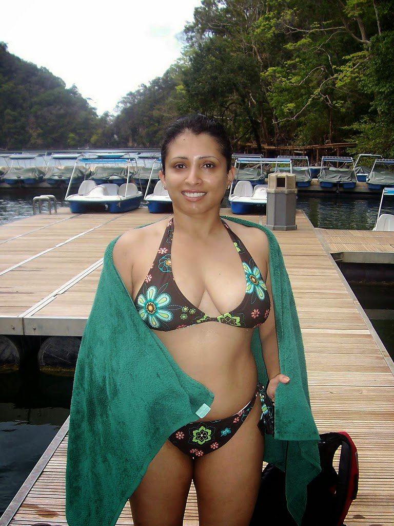 Tamilnadu aunty without dress