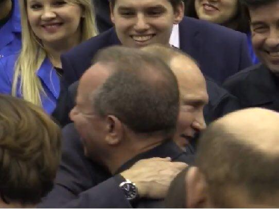 """""""Ну, розповів би хоч про доярку. Куди вас тягне?"""" - Путін - власнику меткомбінату після анекдоту про зґвалтування тракториста - Цензор.НЕТ 6111"""