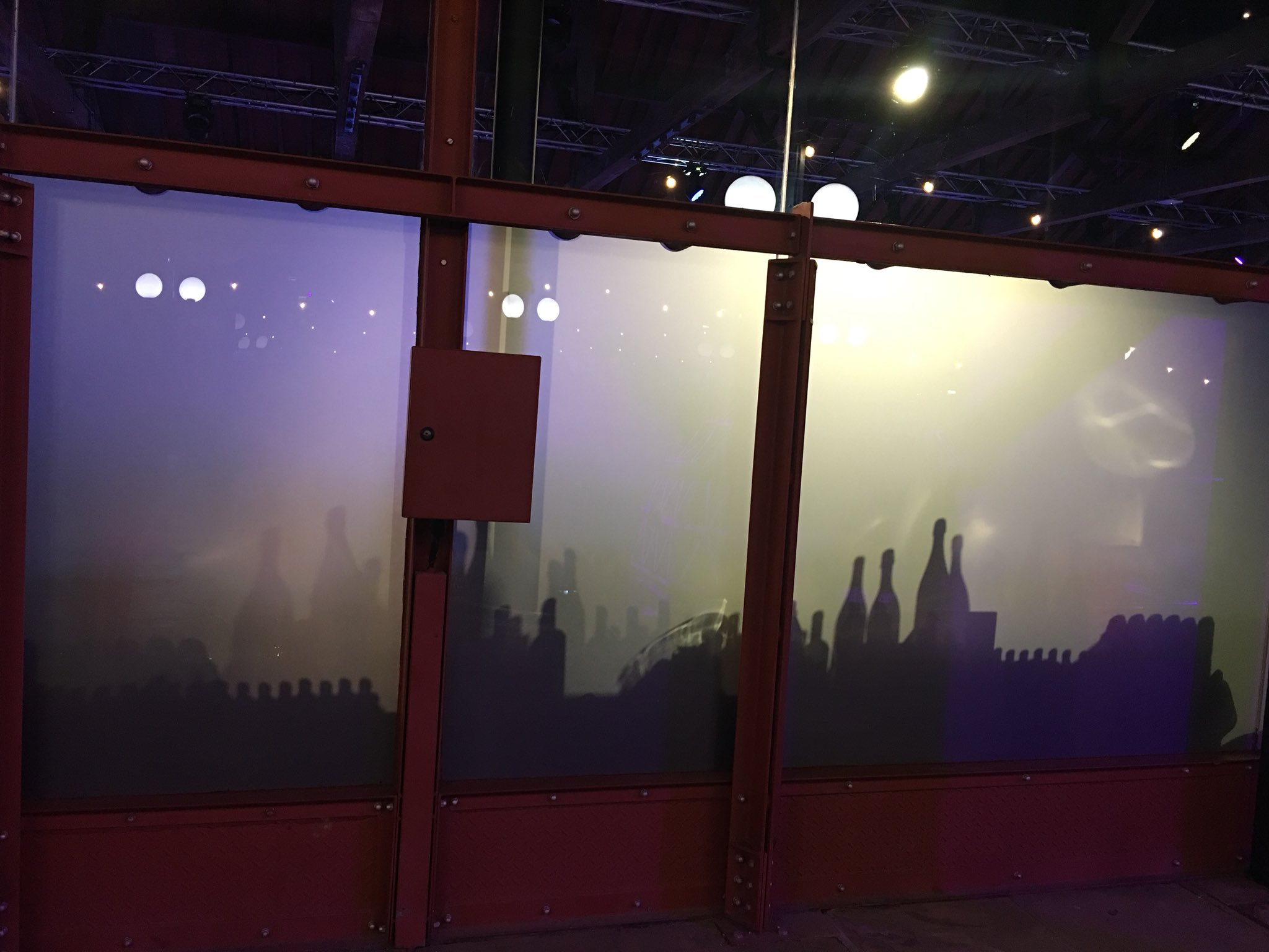 Tuning up for the #BettAwards at London's Tobacco Dock. The bar looks like a silhouette city. https://t.co/D2L4AE26Op