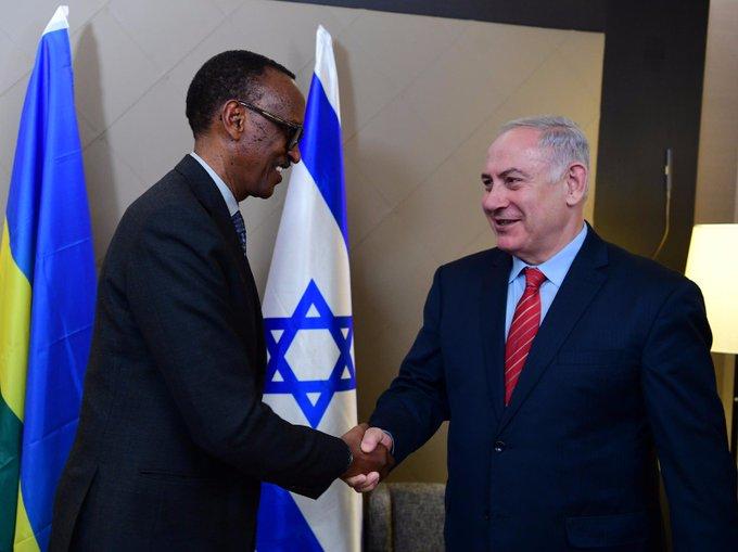Netanyahu met de Rwandese president Kagame