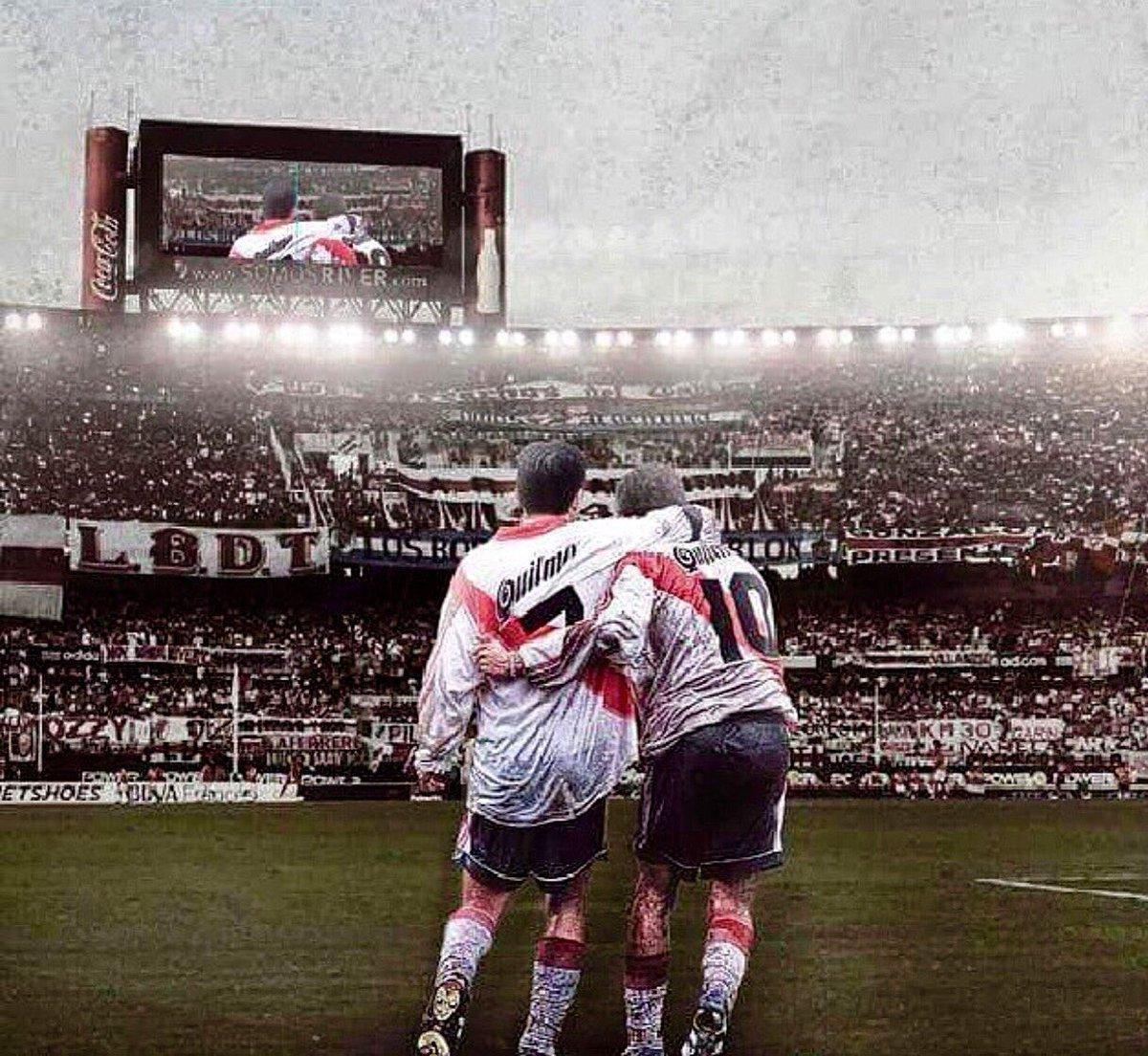El futbol me dio mucho, pero nada se compara a esa sensacion gratificante de levantar la cabeza y verte a mi lado.
