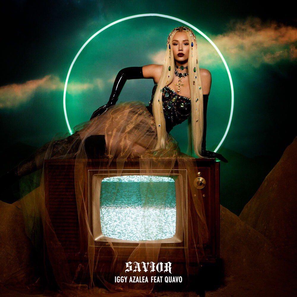 """Iggy Azalea anuncia data de lançamento e divulga capa de seu novo single com Quavo, """"Savior"""""""