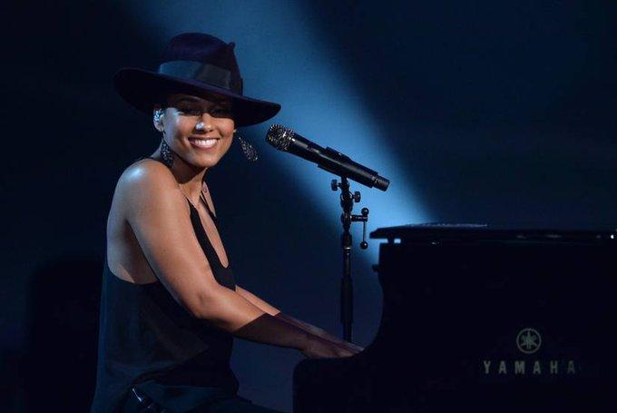 Happy Birthday to Alicia Keys who turns 37 today!