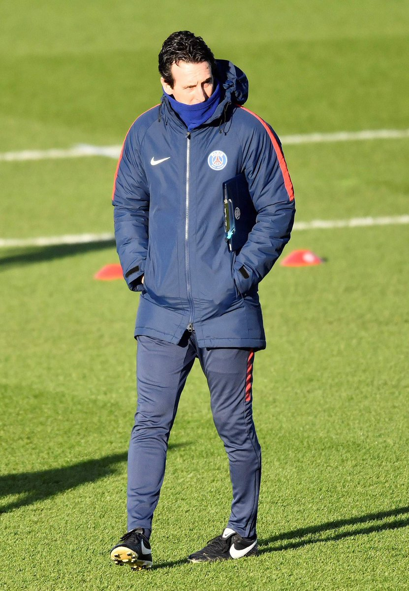 Video: PSG fans need to give Neymar affection claims Emery after the #CoupeDeFrance win over Guingamp  #PSG  https:// as.com/videos/2018/01 /25/en/1516875045_710886.html?autoplay=1 &nbsp; … <br>http://pic.twitter.com/ZKsNxzD9UY