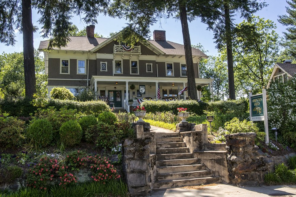 "BIG AWARD: @TripAdvisor has named Abbington Green Bed & Breakfast Inn and Spa in Asheville one of the ""Top 25 B&B and Inns in the United States!"" The beautiful Colonial Revival-style home was built in 1908 and has been hosting guests since 1993. Congratulations!"