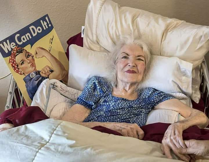 Naomi Parker aka Rosie the Riveter passed away January 20th of 2018. She inspired so many young women with her iconic poster. She was 96. I haven't seen a lot of press on this and sadly I only just now learned of this. I wanted to take the time to honor her.