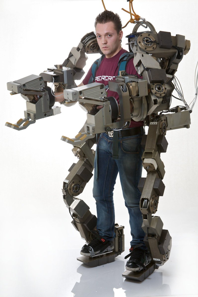 廣田恵介 s tweet body extender whole body exoskeleton for human