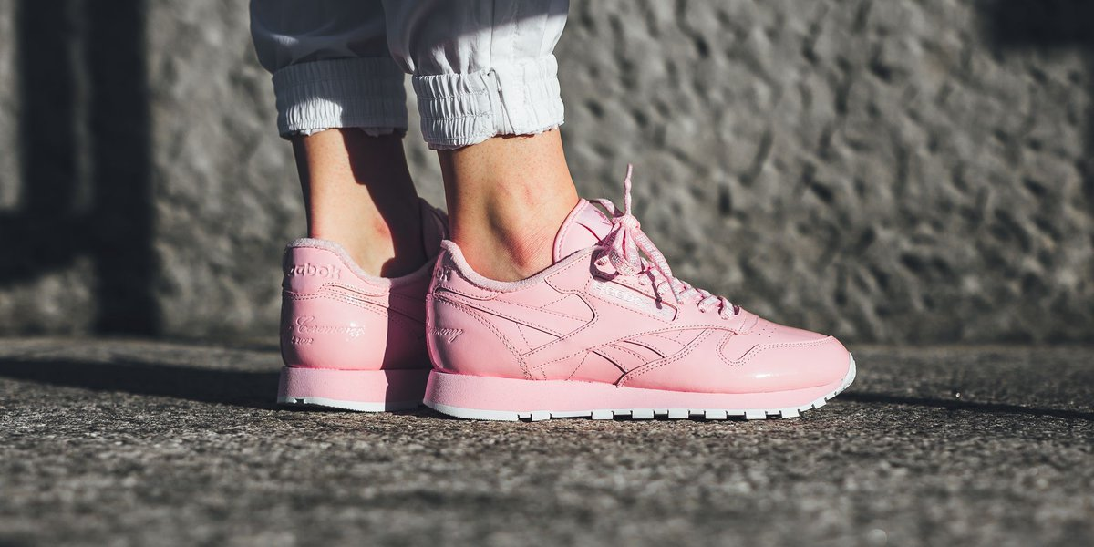 0f6d1b23e ONLINE NOW ❗️Opening Ceremony x Reebok Classic Leather 🎀 Pink Glow/White  SHOP HERE