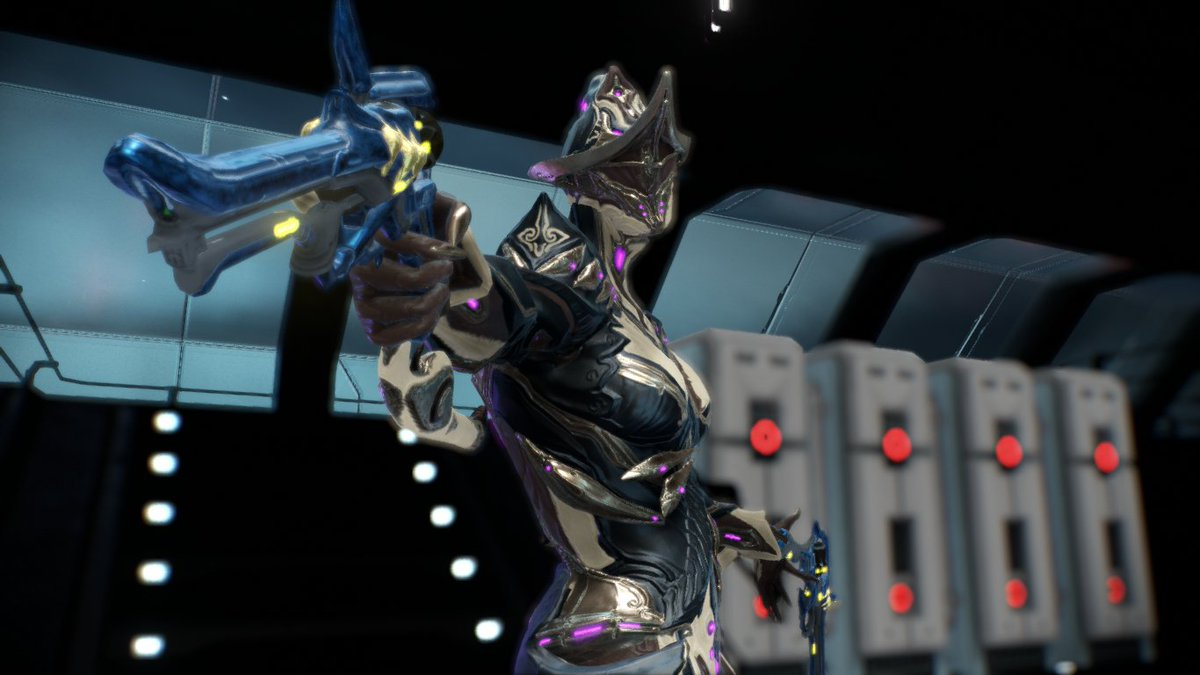 The New Warframe Mesa Deluxe Skin Is Absolutely Gorgeous It D Have Been A Crime If I Hadn T Used Bayonetta Color Scheme For Her