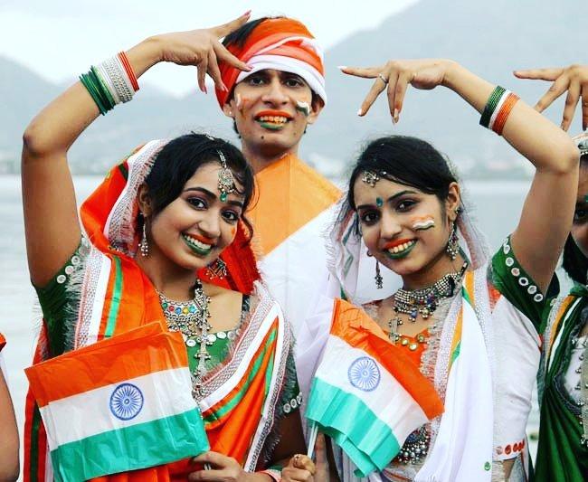 आप सभी भारतवासियों को 69वें राष्ट्रीय पर्व गणतंत्र दिवस के पावन अवसर पर्व पर बहुत बहुत बधाई और ढेर सारी शुभकामनाएं।