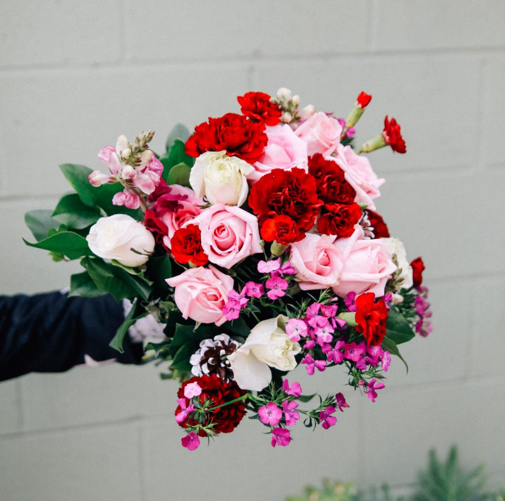 800 flowers chad crowley productions funeral flower delivery sympathy gifts 1 800 flowers izmirmasajfo