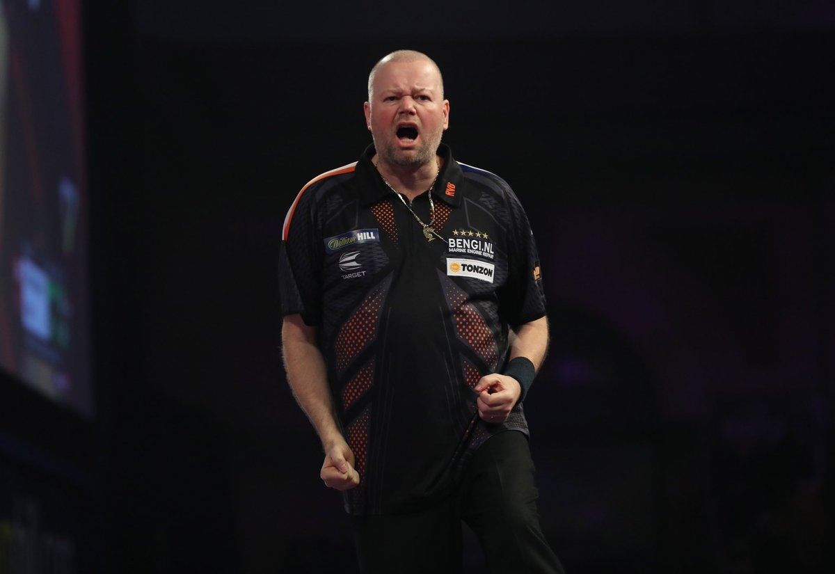 What a start to the #Darts year for our man @Raybar180. Its a thrilling 10-9 victory over Dave Chisnall and hes into the last 8 of the @OfficialPDC Masters. Well done Barney and good luck Sunday #BarneyArmy