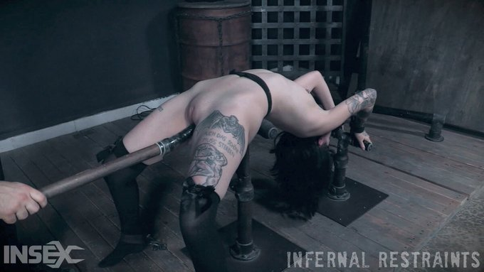 3 pic. My newest scene for @Infernal_R is out! https://t.co/FRdJsrzEFw https://t.co/gSFIJT7vo5