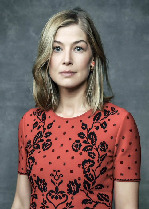 Happy 39th birthday, Rosamund Pike.