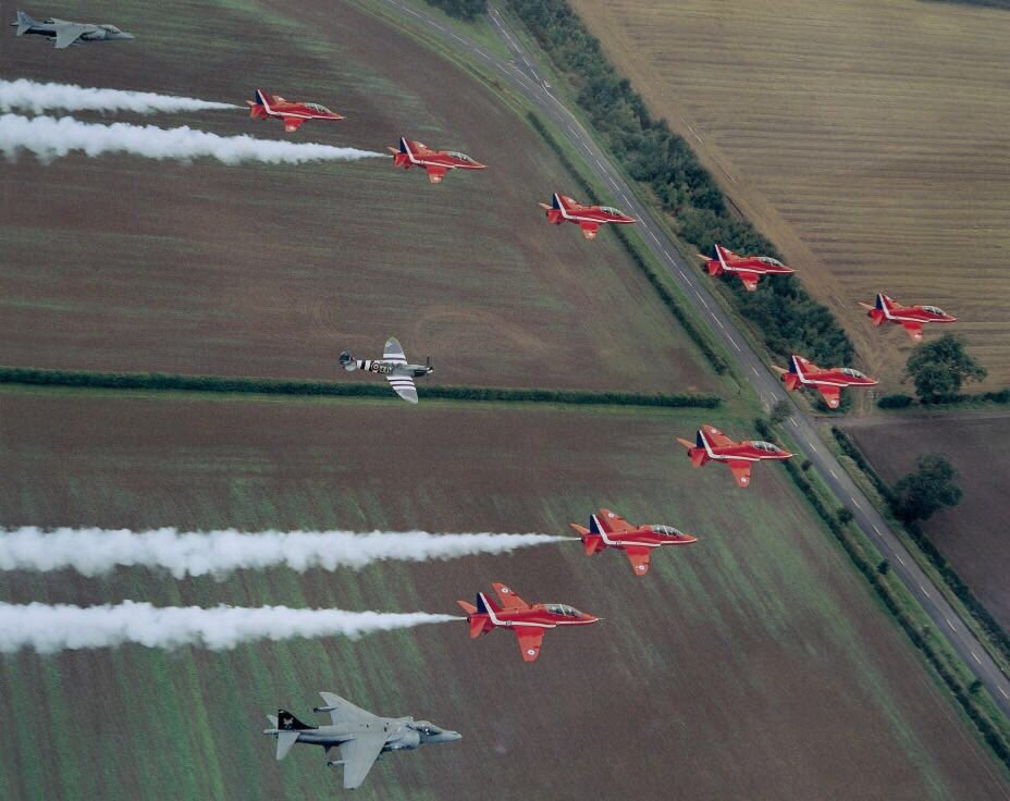 test Twitter Media - September 2004, with ML407's Merlin engine at full power and me at full concentration, I had the honour of flying in formation with The Red Arrows for a photo shoot + 3 flypasts at Scampton https://t.co/GG3cTLS08y